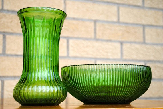 Vintage E O Brody Ribbed Emerald Green Glass Vase By
