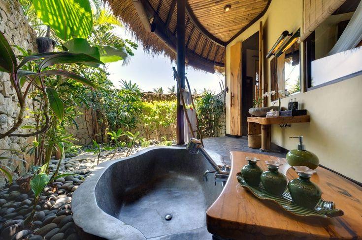 Salle de bain tropicale dans villa de luxe bali outdoorbathroom baliluxury locationvilla - Salle de bain tropicale ...