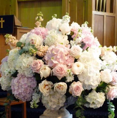 Flowers For Church Wedding Ceremony: 1000+ Images About Church Flowers On Pinterest