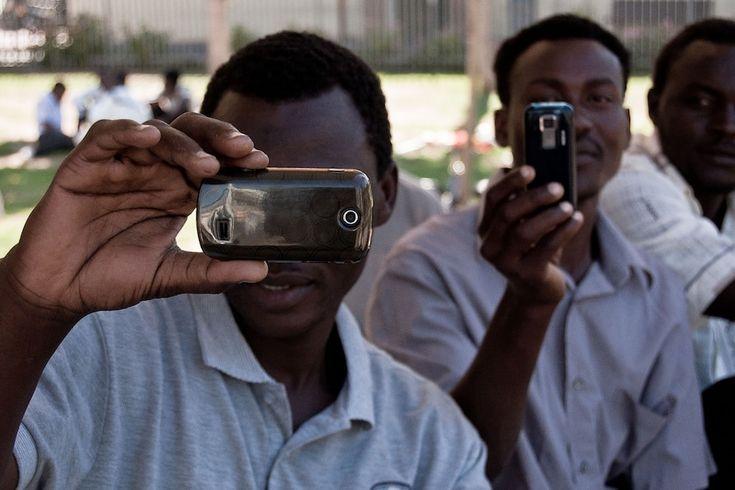migranti-iphone.jpg (1020×680)