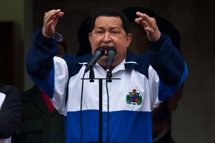 """Una universidad pública de Argentina concedió un """"honoris causa post mortem"""" a Hugo Chávez, presidente de Venezuela entre 1999 y 2013, título honorífico que recogió hoy en Buenos Aires el ministro del Poder Popular para la Cultura y hermano mayor del fallecido mandatario, Adán Chávez.</p>"""