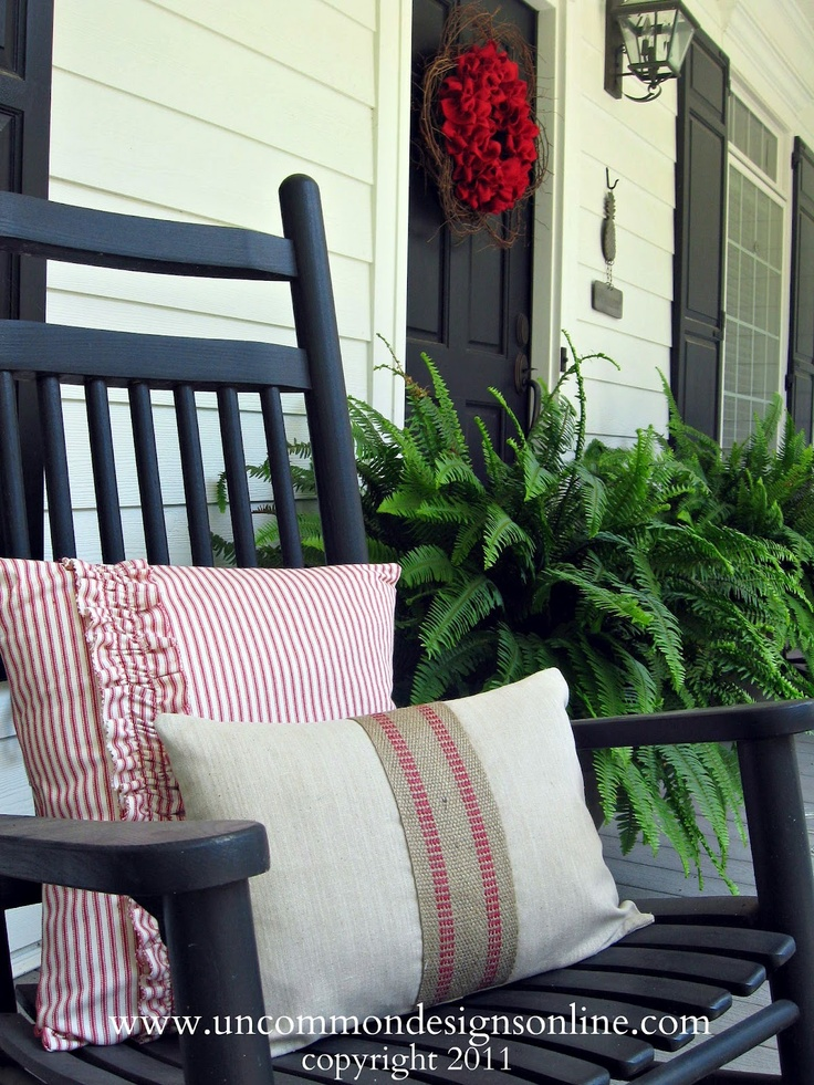 Need to spruce up your porch for Memorial Day?  These porch pillows are pretty and patriotic!
