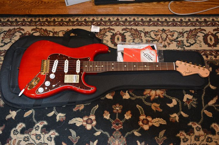 Fender Deluxe Players Stratocaster Electric Guitar Crimson Red Transparent