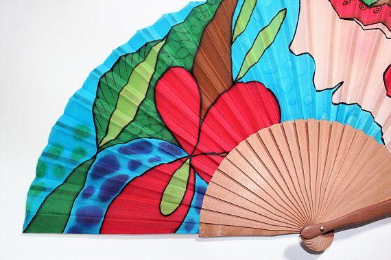 Abanico de seda pintado a mano. Abanico grande de diseño. La flor roja. Abanico español hecho a mano. Regalo cumpleaños o boda. Primavera.
