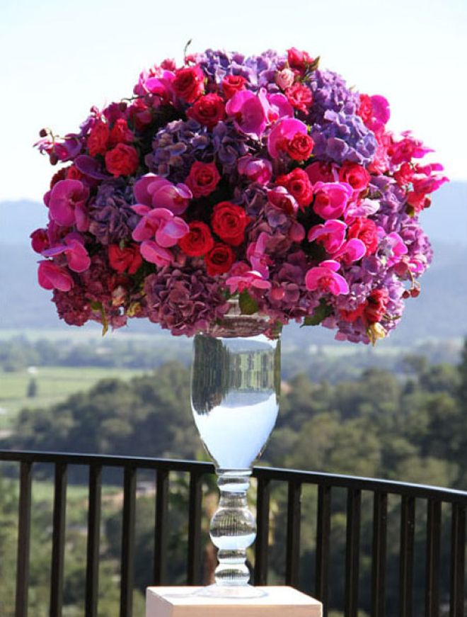 Bright Colors! ! 10 Steal-Worthy Flower Arrangements For Your Wedding Ceremony ~ Floral Design & Photo by Fleurs de France