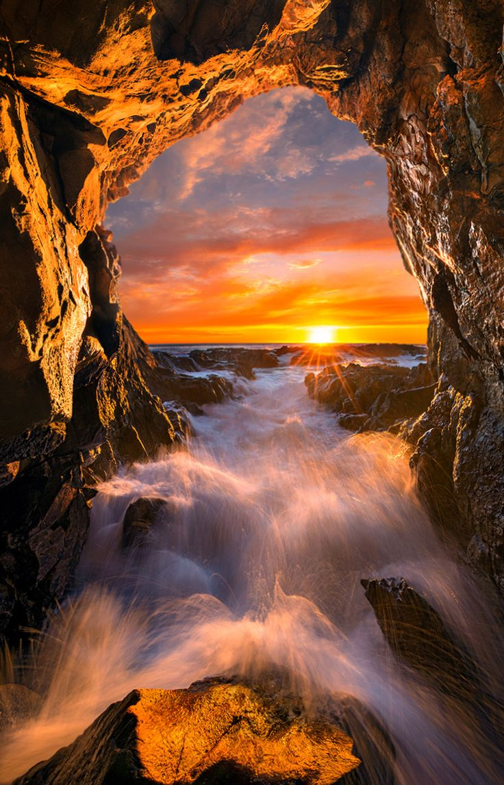 Sun Gate - Please Press H and M for a BETTER View.  Just a cave lighted up by the last rays of the sun.  Let me know what you think. Thank you for your support.