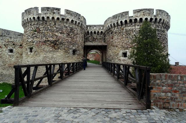 Gate tower and wooden bridge in Belgrade Fortress