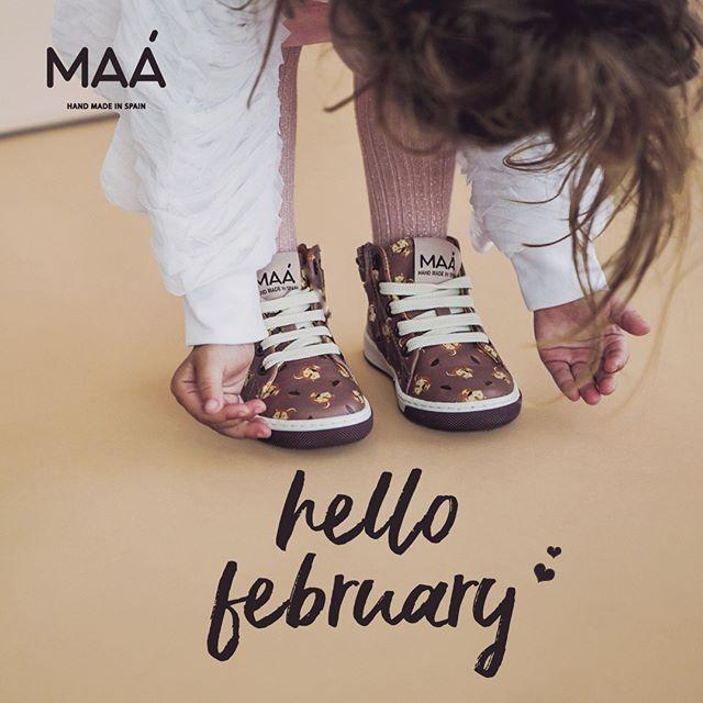 Welcome February! We're sure this month will be the cooolest  Don't you think? | Bienvenido febrero! Estamos seguros de que este mes será unos de los más molones no creéis? #maashoes #handmadeinspain #kidshoes #coolshoes #colorfulshoes #comfyshoes #kidsfashion #zapatos #hechoenespaña #sneakers #instakids #calzadoinfaltil #footwear #style #febrary #coolmonth #febrero