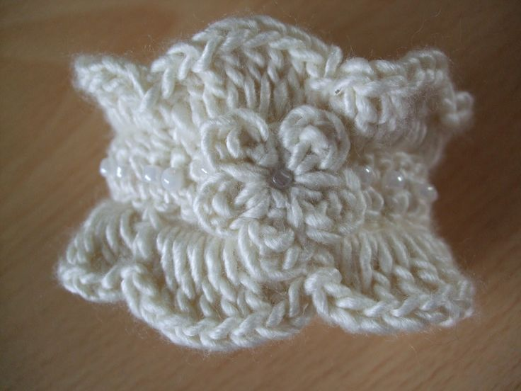 free crochet boot patterns for adults | Channelle's Crochet creations: Gorgeous Cuff Bracelet Pattern