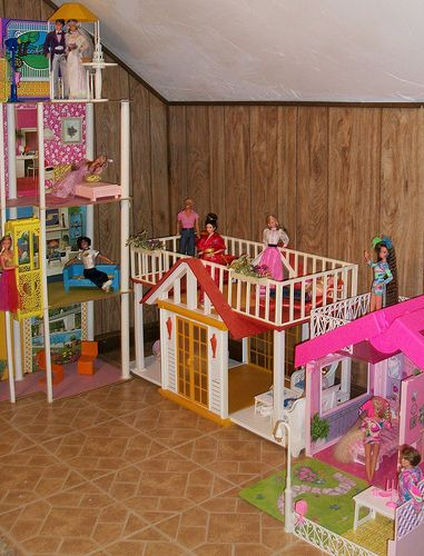 BARBIE | Flickr - Photo Sharing! * (Glad I'm not the only one who loves the toy room idea)