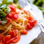 Pasta mit Tomaten, Knoblauch und Basilikum-3