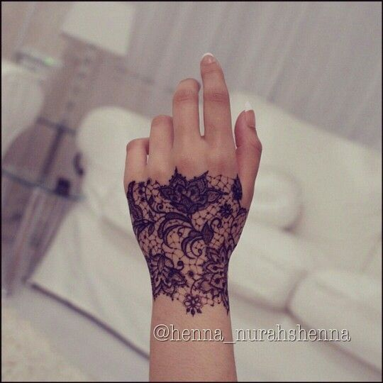 Awesome lace henna