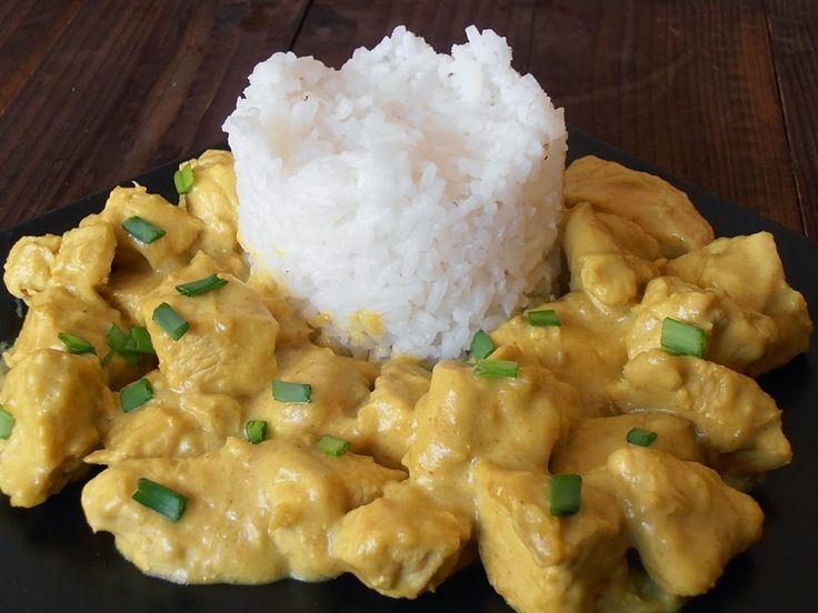 http://www.caietulcuretete.com/2013/03/piept-de-pui-in-sos-curry.html