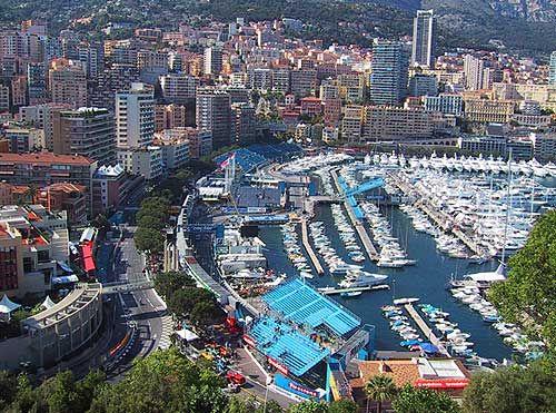 Monaco, vol en druk