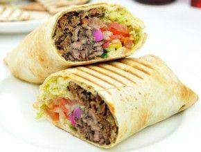 Resep Masakan: Shawarma | Shawarma adalah makanan jalanan 'street food' yang sangat populer di timur tengah. Di Indonesia makanan ini lebih populer dengan sebutan Kebab Turki.