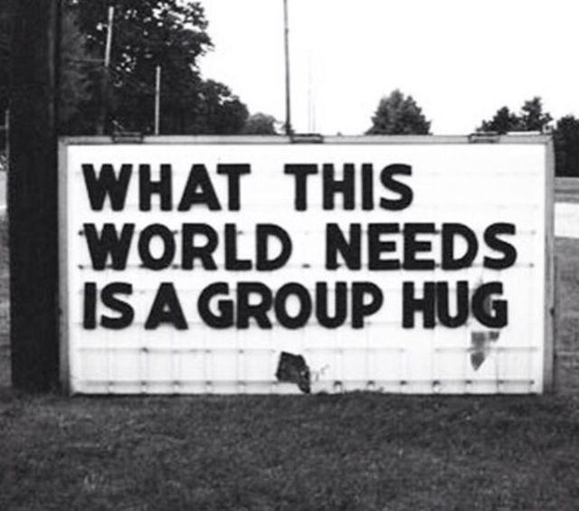 Helemaal mee eens, vooral nu in deze tijd dat er oorlog heerst, aanslagen worden gepleegd, enz...mijn ❤ huilt door deze ellende. Licht en liefde voor de wereld, en een grote groeps knuffel.