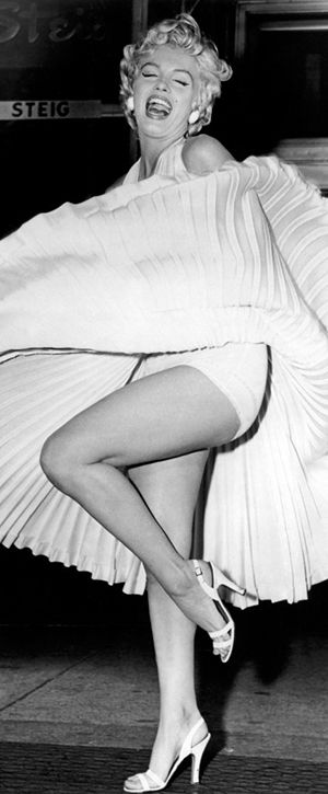 """Marilyn on the set of """"The Seven Year Itch"""", September 1954."""