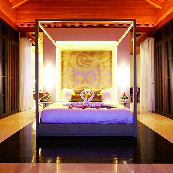 The Master Bedroom With Requisite Towel Swans At This Fantastic Modern Mansion On