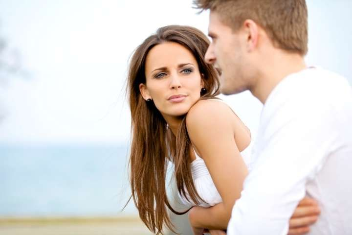 İlişkilerde Aldatmaktan Daha Çok Zarar Veriyor www.sosyetikcadde.com