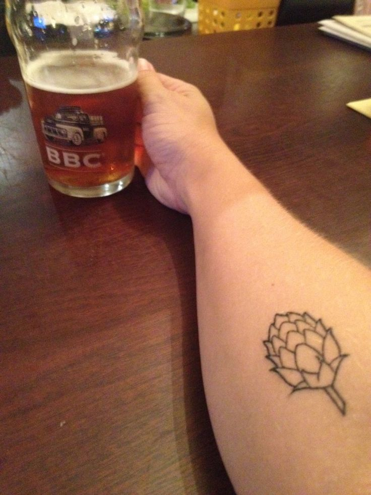A-New-Hop-Tattoo-and-a-beer-at-the-Bogota-Beer-Company-e1428068536431-768x1024
