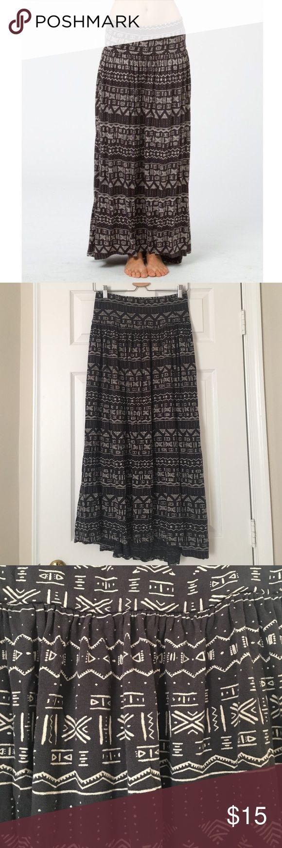 Billabong black tribal maxi skirt Size medium, a bit lower in back than front. Guc for wash wear. Stretch elastic waist! Billabong Skirts Maxi