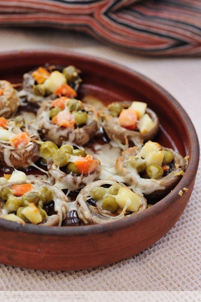 Fırında Garnitürlü Mantar Dolması Tarifi   Mutfak Sırları