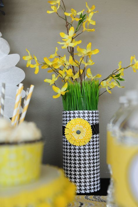 bee themed, vase (oatmeal container with paper)