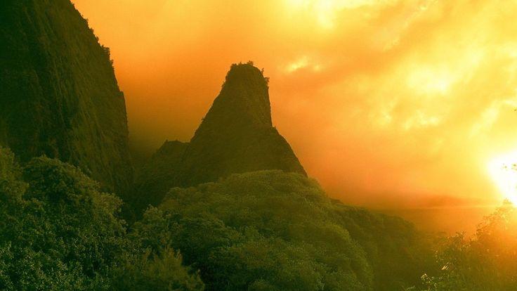 Golden Sky - http://www.fullhdwpp.com/nature/golden-sky/