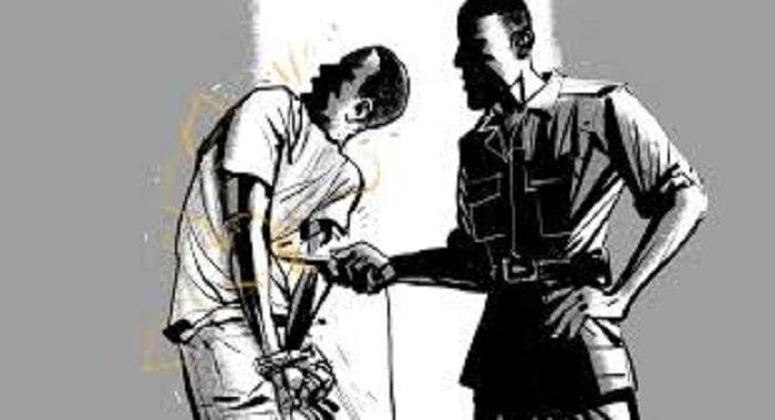 تفسير حلم التعذيب في المنام وفقا لكبار المفسرين والعلماء العرب فالكثير من الناس يرون أنهم يعذبون في المنام بمختلف أنوا Fictional Characters Character Creepy
