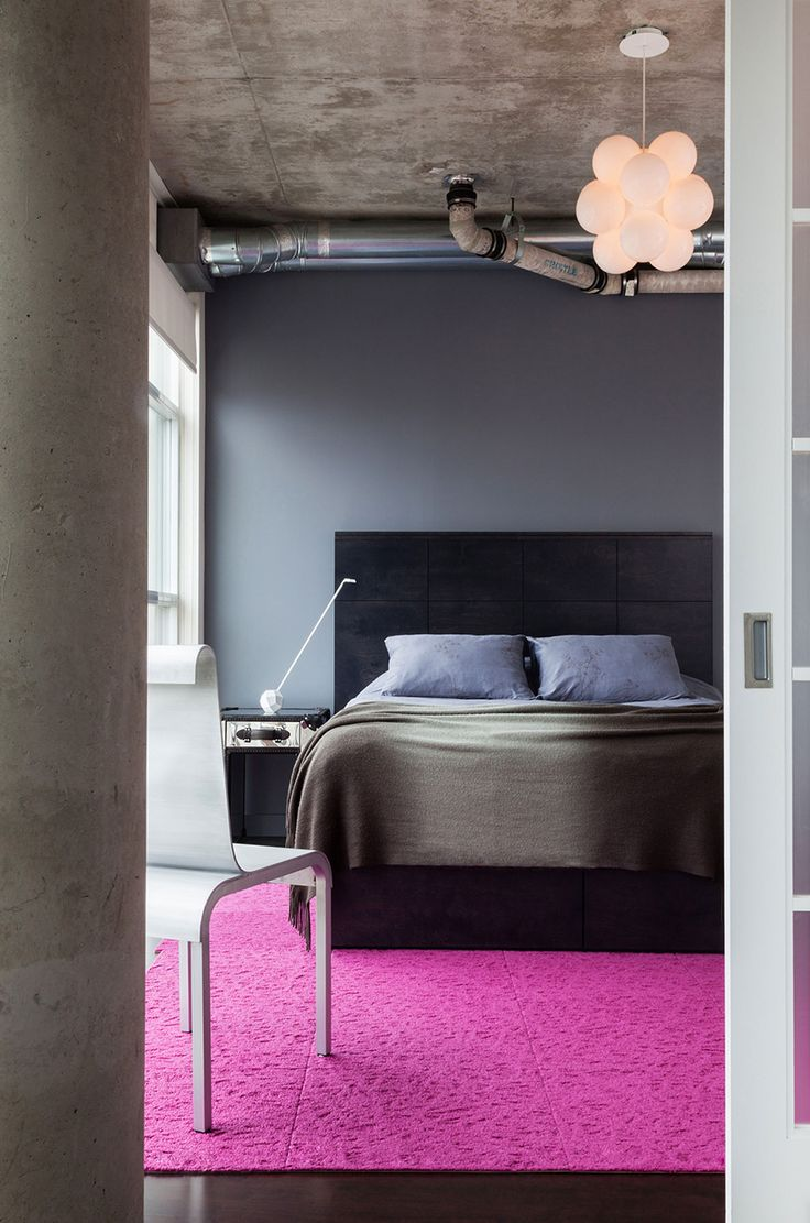 Industrial Design Elements Softened by an Appealing Mix of Textures: Loft 002 in Canada