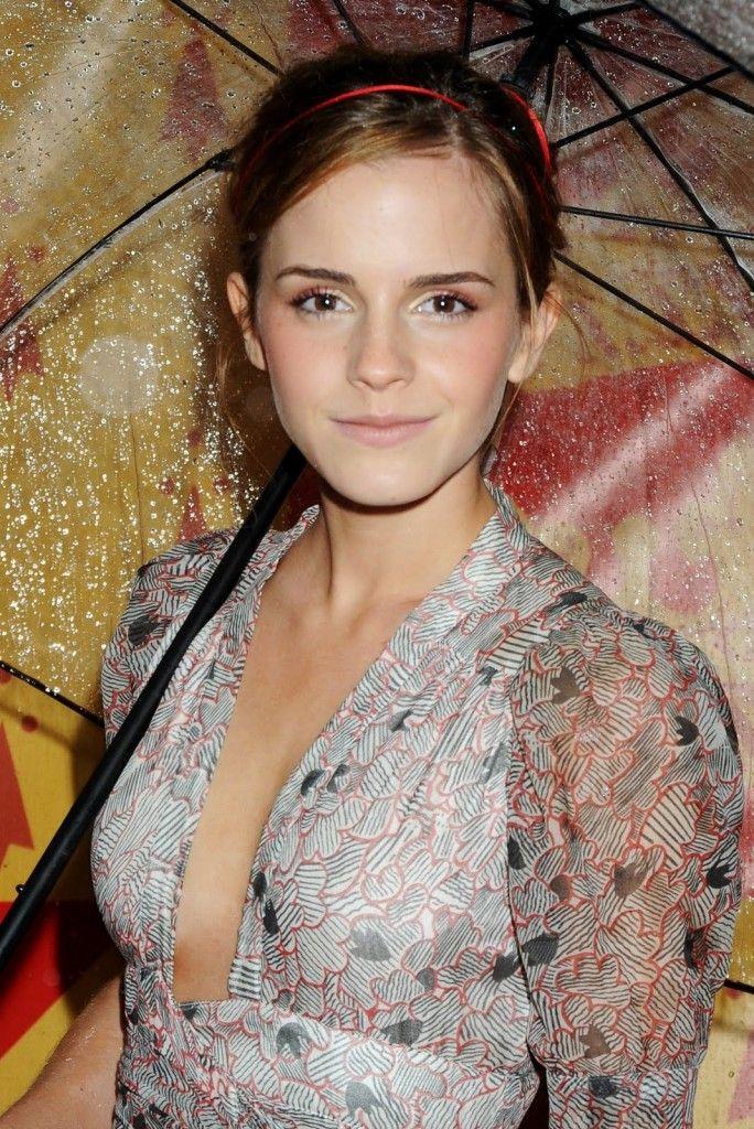 Emma Watson-Hot-Wallpaper