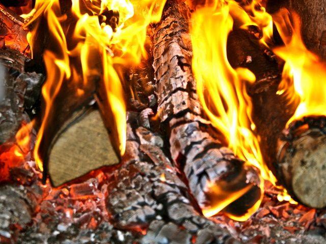 расход дров на отопление загородного дома
