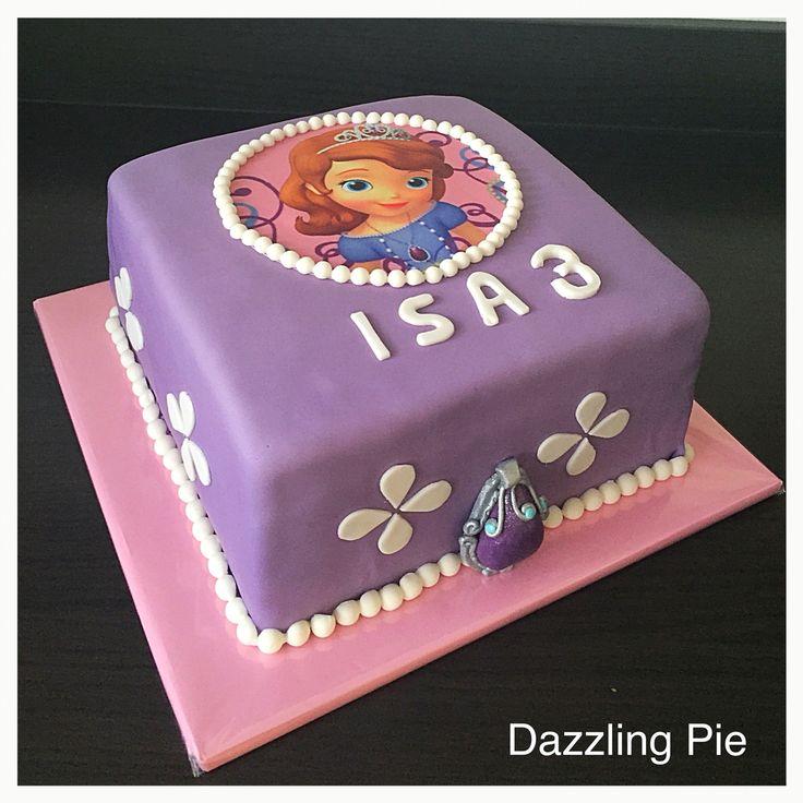Princess Sofia cake made by Dazzling Pie