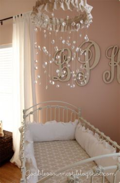 Tutorial for beautiful, ruffled baby crib mobile with crystals for the nursery