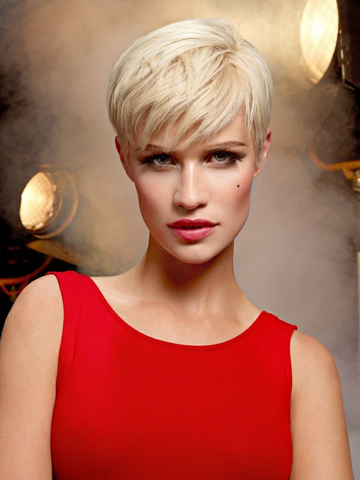297 best images about pixie cuts short hair styles on - Coupe courte blonde ...