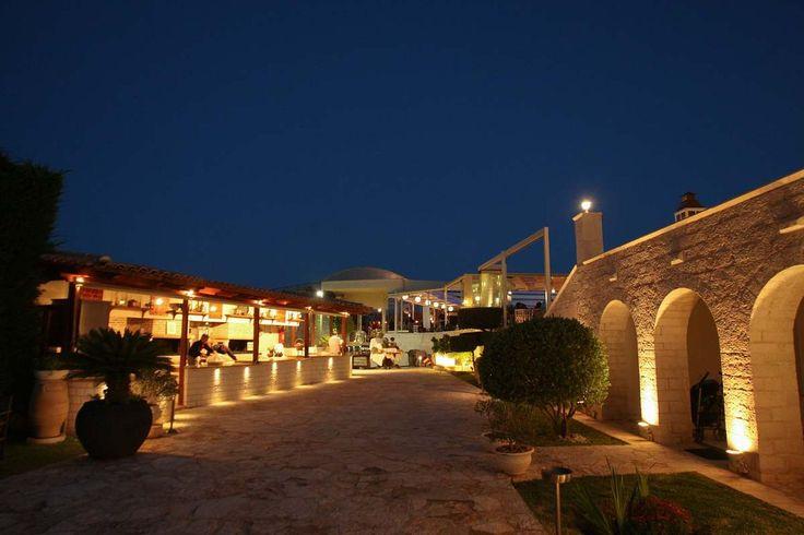 Κτήμα γάμου στο Κορωπί Villa Mia. Τα Ksktimata.gr σας προτείνουν αυτόν τον μαγευτικό χώρο για την γαμήλια σας δεξίωση.
