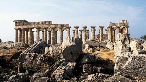 Cronaca: #22:23 | #Trapani cade da tempio a Selinunte: studentessa ferita in gita (link: http://ift.tt/2mtcQKz )