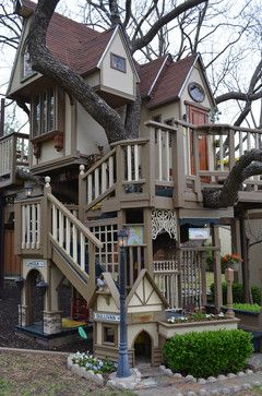 Childrens Tree House in Dallas TX  has so many cool things inside and out for the kids to entertain themselves.