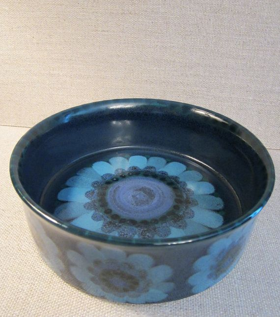 Arabia Finland Hilkka-Liisa Ahola Bowl  by WhatsOnTheShelf on Etsy