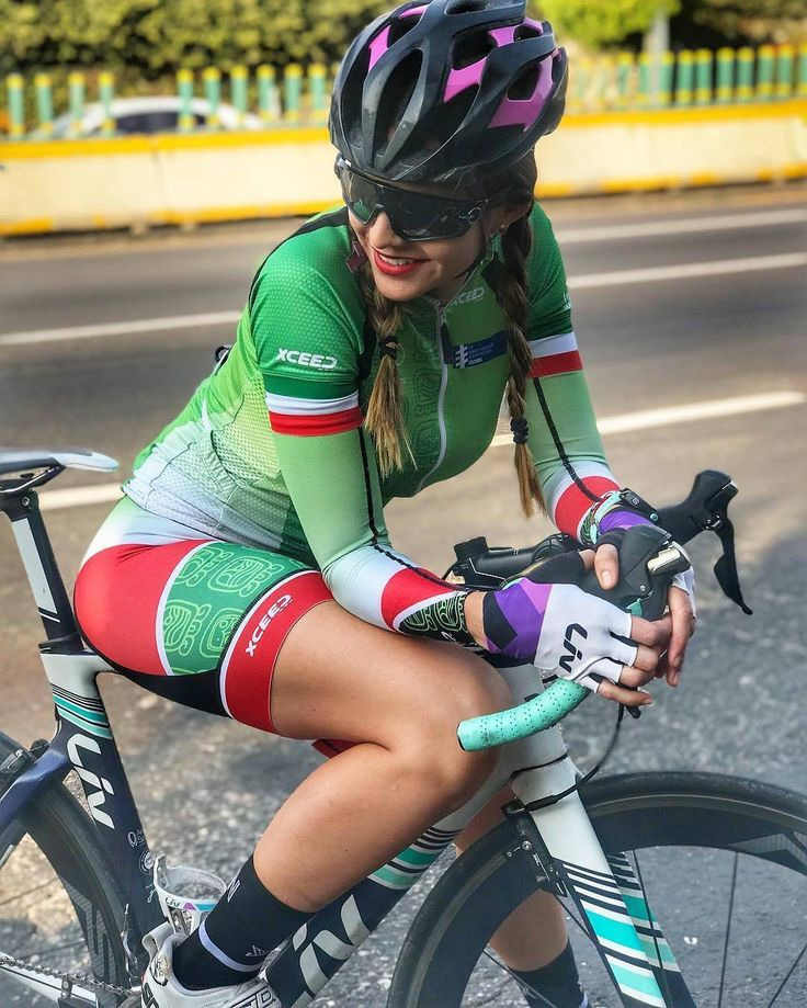 """52 mentions J'aime, 1 commentaires - ¿Quieres ser EMBAJADORA? (@chicas.ciclistas) sur Instagram : """"@andrealeontri - Subirme a la bici me hace tan feliz!!! Y si algo te hace feliz, aumenta la…"""""""