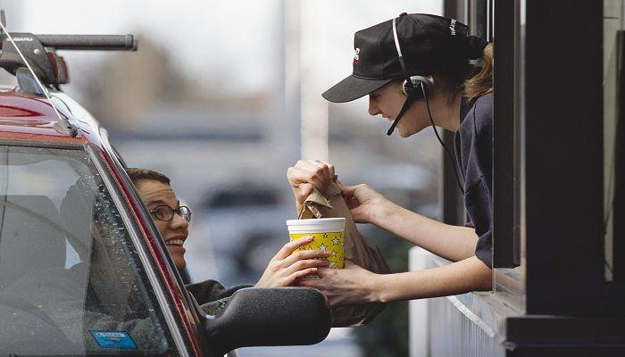Global Drive-Thru Food Market 2017 - McDonalds, KFC, Taco Bell, Burger King, Starbucks - https://techannouncer.com/global-drive-thru-food-market-2017-mcdonalds-kfc-taco-bell-burger-king-starbucks/