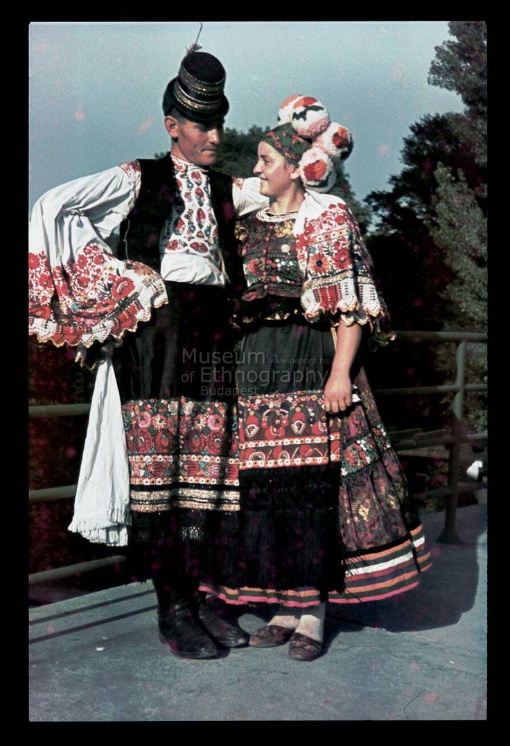 young matyo couple Mezőkövesd Néprajzi Múzeum | Online Gyűjtemények - Etnológiai Archívum, Diapozitív-gyűjtemény