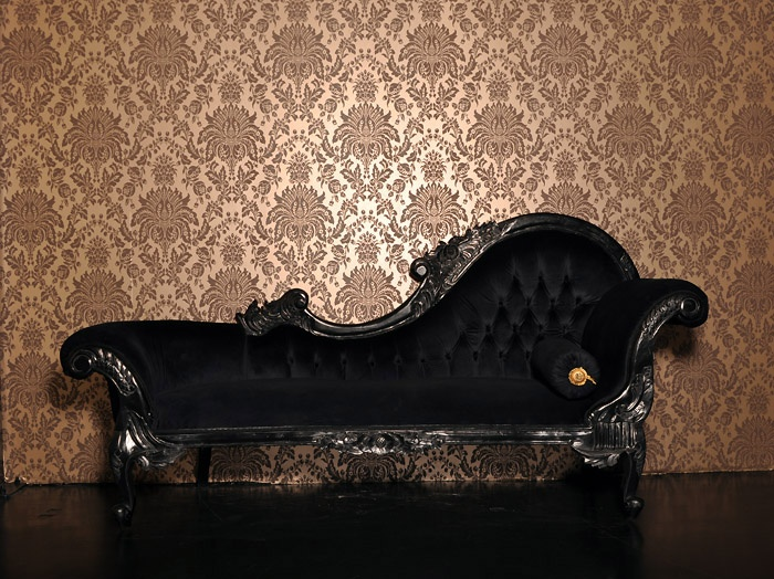 Chamber 2 the boudoir black french dressing table for Black and gold chaise lounge