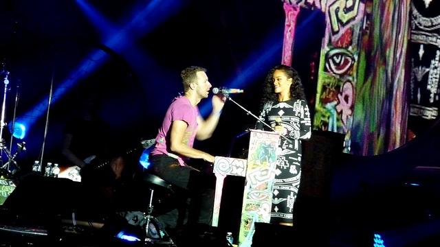 Coldplay & Rihanna - Stade de France - 2 septembre 2012 (5), via Flickr.