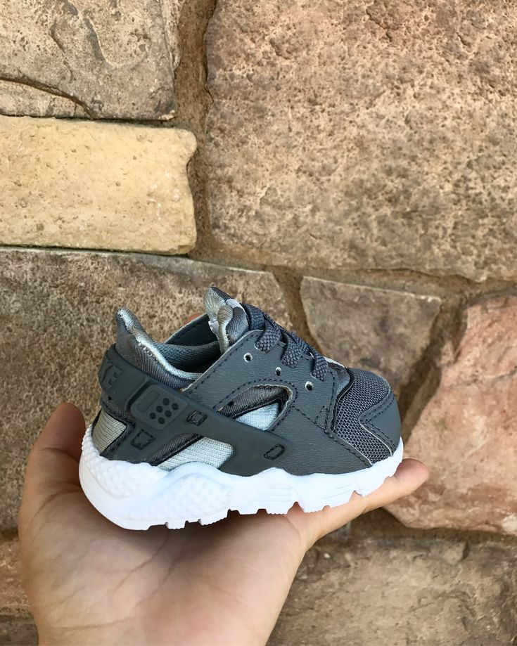 Baby boy/girl sneakers/shoes. Nike Huaraches.