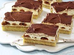 Unser beliebtes Rezept für Tiramisu-Kuchen vom Blech und mehr als 55.000 weitere kostenlose Rezepte auf LECKER.de.