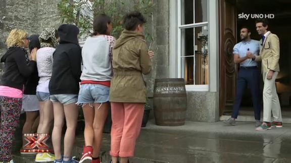 Mika e Marco Mengoni con le ragazze a Dublino Video