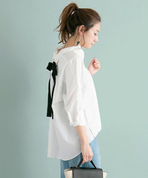 URBAN RESEARCH WOMENS(アーバンリサーチウィメンズ)のUR BACKリボンオーバーゆるっとシャツ(シャツ/ブラウス)|オフホワイト