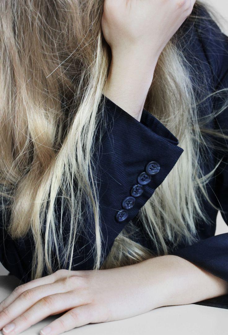 Pattern play buttons http://honeygold.eu/product/midnight-blue-blazer/