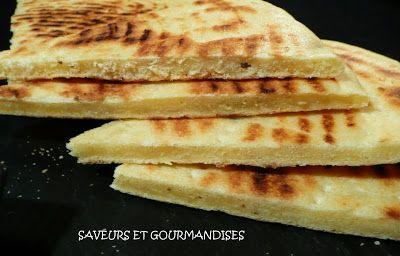 Saveurs et Gourmandises: Galette fine à l'anis vert  ou Kesra Rakhsiss.